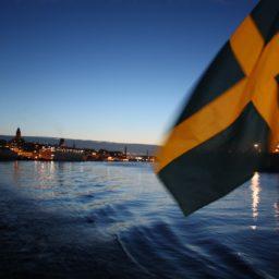 Smörgastorta – Herzhafte Toastbrot-Torte aus Schweden