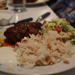 Türkische Köfte mit Reis