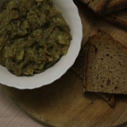 Kyopolou: Bulgarische Auberginen-Knoblauch-Creme
