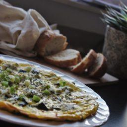 Leichte Frittata mit Zucchini und Ziegenfrischkäse
