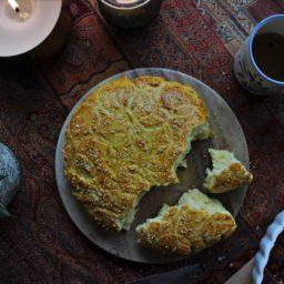 Rezept für Ostern: Krachel – Marokkanisches Grießbrot mit Orange und Sesam