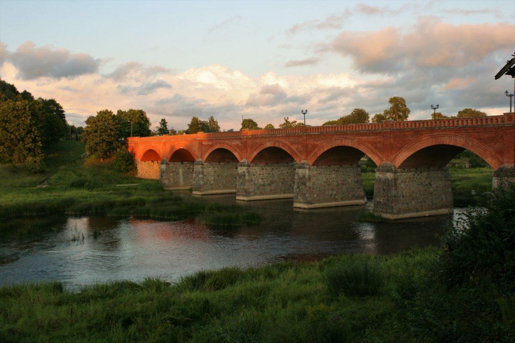ReiseSpeisen Kuldiga Lettland Backsteinbrücke