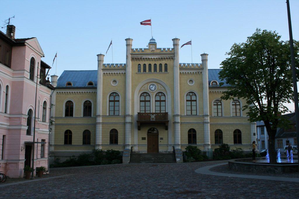 ReiseSpeisen Kuldiga Lettland Rathaus
