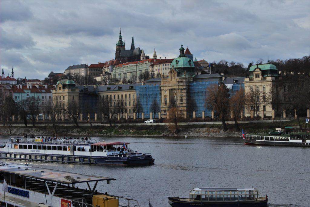 ReiseSpeisen I Prag I Tschechien I Fluss